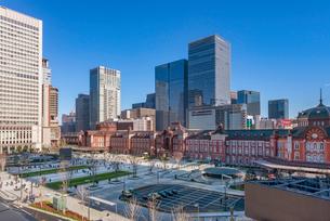東京駅前の風景の写真素材 [FYI01798225]