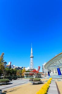オアシス21より名古屋テレビ塔を望むの写真素材 [FYI01798649]