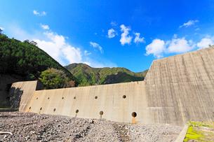 砂防ダムの写真素材 [FYI01798669]
