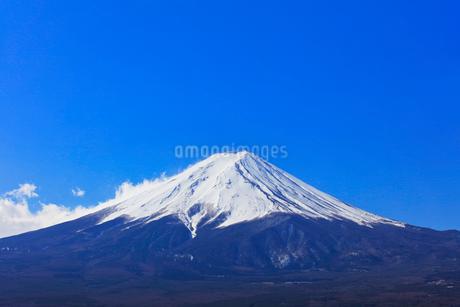 富士山と青空の写真素材 [FYI01799212]
