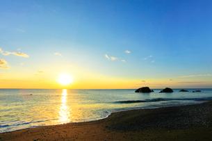 朝日と海の写真素材 [FYI01799534]