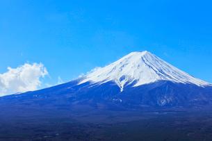 富士山と青空の写真素材 [FYI01799585]