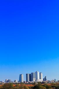 初冬の名古屋駅周辺高層ビルと街並みの写真素材 [FYI01799860]