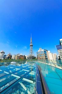 オアシス21水の宇宙船より名古屋の街並みにテレビ塔の写真素材 [FYI01799940]