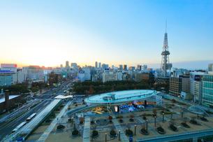 オアシス21と名古屋テレビ塔 夕景の写真素材 [FYI01799993]