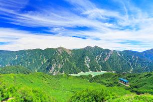 立山ロープウェイと黒部ダムに後立山連峰の写真素材 [FYI01800019]