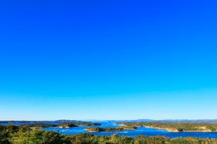 伊勢志摩 桐垣展望台より望む英虞湾の島々の写真素材 [FYI01800103]