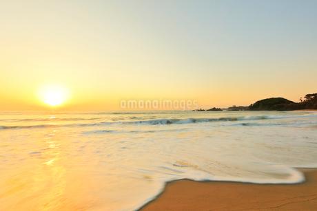 海と朝日の写真素材 [FYI01800280]