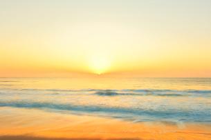 海と朝日の写真素材 [FYI01800302]
