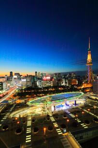 オアシス21と名古屋テレビ塔 夜景の写真素材 [FYI01800344]
