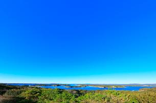 伊勢志摩 桐垣展望台より望む英虞湾の島々の写真素材 [FYI01800369]
