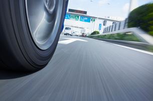 高速道路イメージの写真素材 [FYI01800396]