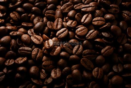 コーヒー豆イメージの写真素材 [FYI01800432]