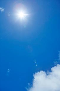 夏空の太陽の写真素材 [FYI01800514]