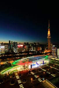 オアシス21と名古屋テレビ塔 夜景 の写真素材 [FYI01800596]