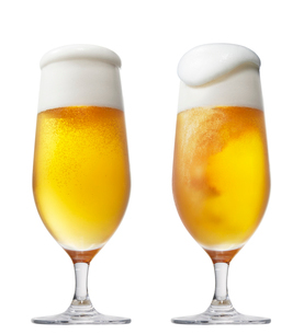 クラフトビールの写真素材 [FYI01800636]
