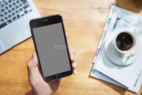 スマートフォンイメージの写真素材 [FYI01800652]