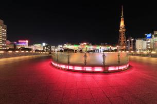 オアシス21と名古屋テレビ塔 夜景の写真素材 [FYI01800709]