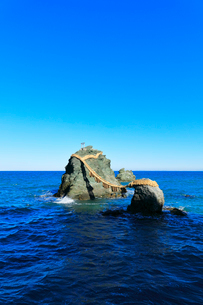 伊勢二見浦 夫婦岩の写真素材 [FYI01800718]