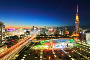 オアシス21と名古屋テレビ塔 夜景の写真素材 [FYI01800733]