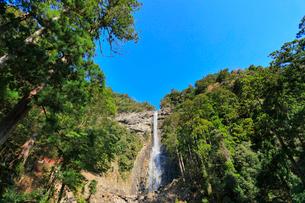 那智滝と快晴の空の写真素材 [FYI01800783]