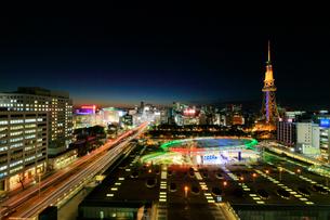 オアシス21と名古屋テレビ塔 夜景の写真素材 [FYI01800865]