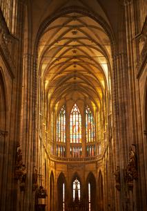 プラハの聖ヴィート教会内観の写真素材 [FYI01800989]