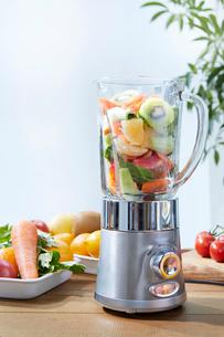 野菜ジュースイメージの写真素材 [FYI01801060]