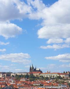 プラハ旧市街とプラハ城の写真素材 [FYI01801104]