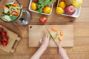 野菜ジュースイメージの写真素材 [FYI01801271]