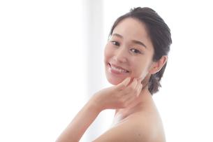 日本人女性のビューティイメージの写真素材 [FYI01801613]