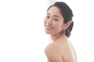 日本人女性のビューティイメージの写真素材 [FYI01801692]