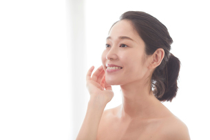 日本人女性のビューティイメージの写真素材 [FYI01801721]