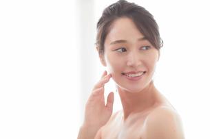 日本人女性のビューティイメージの写真素材 [FYI01801727]
