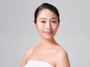 日本人女性のビューティイメージの写真素材 [FYI01801744]