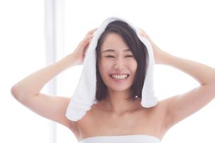 日本人女性のビューティイメージの写真素材 [FYI01801754]