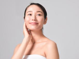 日本人女性のビューティイメージの写真素材 [FYI01801974]