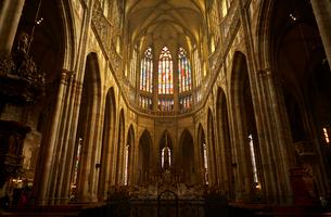 プラハの聖ヴィート教会内観の写真素材 [FYI01801987]