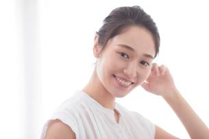 日本人女性のビューティイメージの写真素材 [FYI01802478]