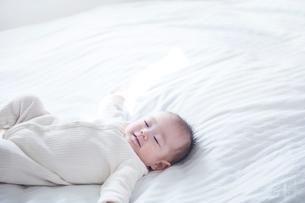 寝る赤ちゃんの写真素材 [FYI01802574]