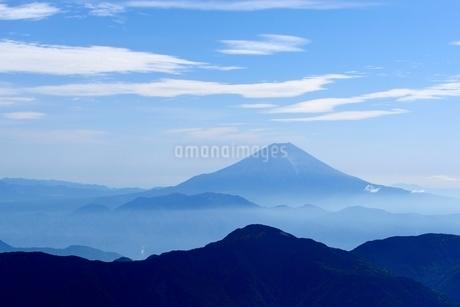 南アルプス・赤石岳より望む富士山の写真素材 [FYI01803506]