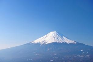 山梨県 富士山と青空 の写真素材 [FYI01803712]