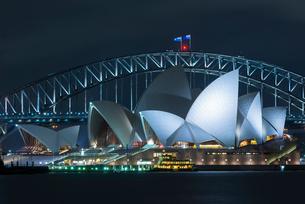 オペラハウス,夜景の写真素材 [FYI01804315]