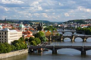 プラハ 眺望の写真素材 [FYI01804426]