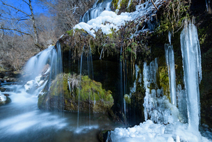 吐龍の滝 冬景の写真素材 [FYI01804458]