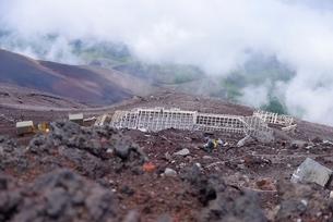 富士山富士宮ルートの登山道・山小屋の俯瞰の写真素材 [FYI01804646]