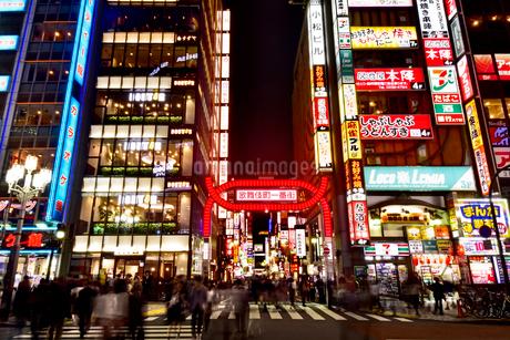 歌舞伎町の写真素材 [FYI01804666]