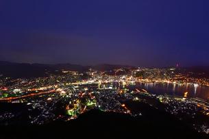 長崎夜景 稲佐山の写真素材 [FYI01804747]