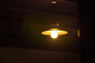 昭和レトロな電球の写真素材 [FYI01804925]