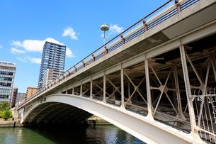 堂島川と天神橋の写真素材 [FYI01805256]